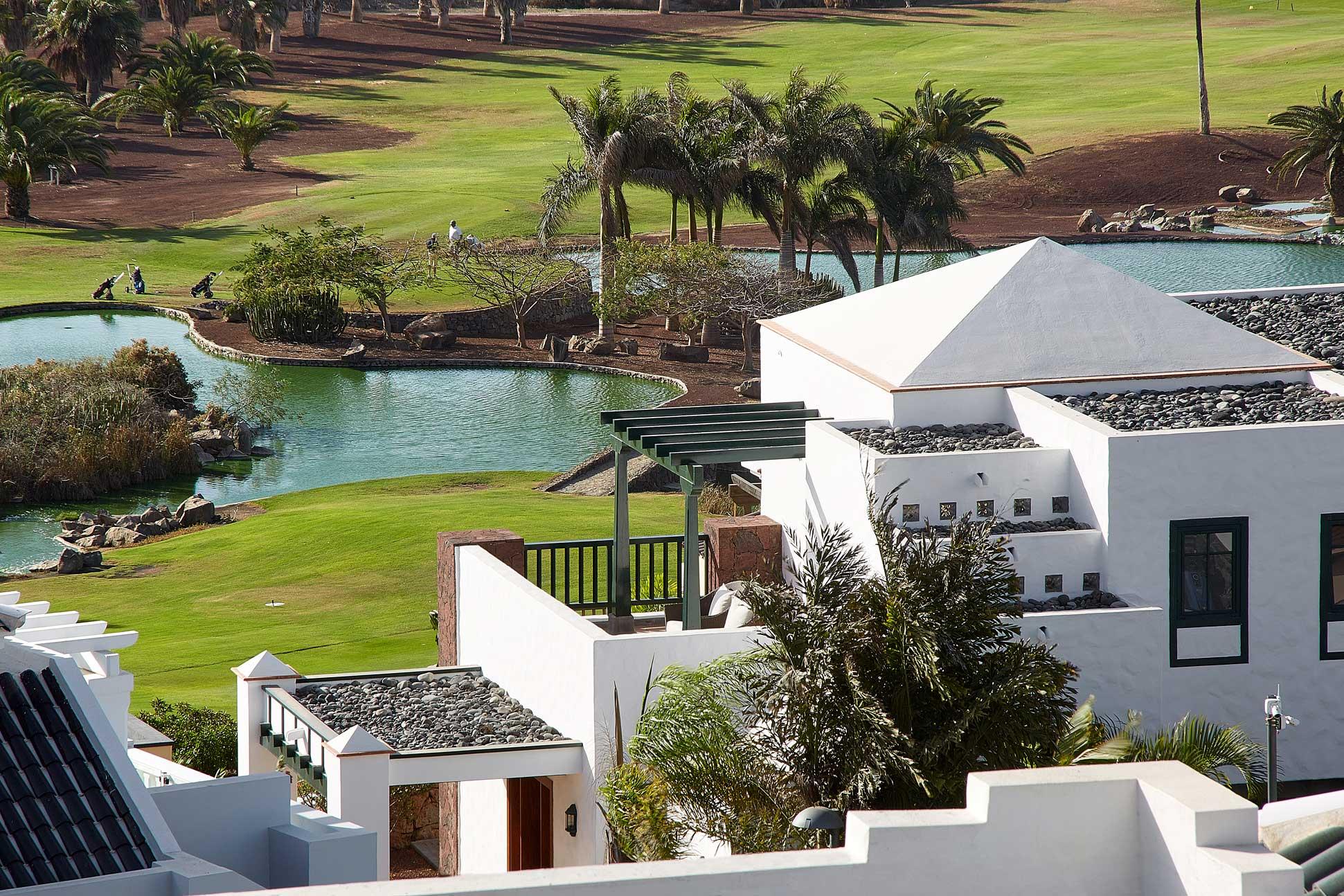 Los-Lagos-de-Golf-Costa-Adeje-desde-Hotel-Suite-Villa-María