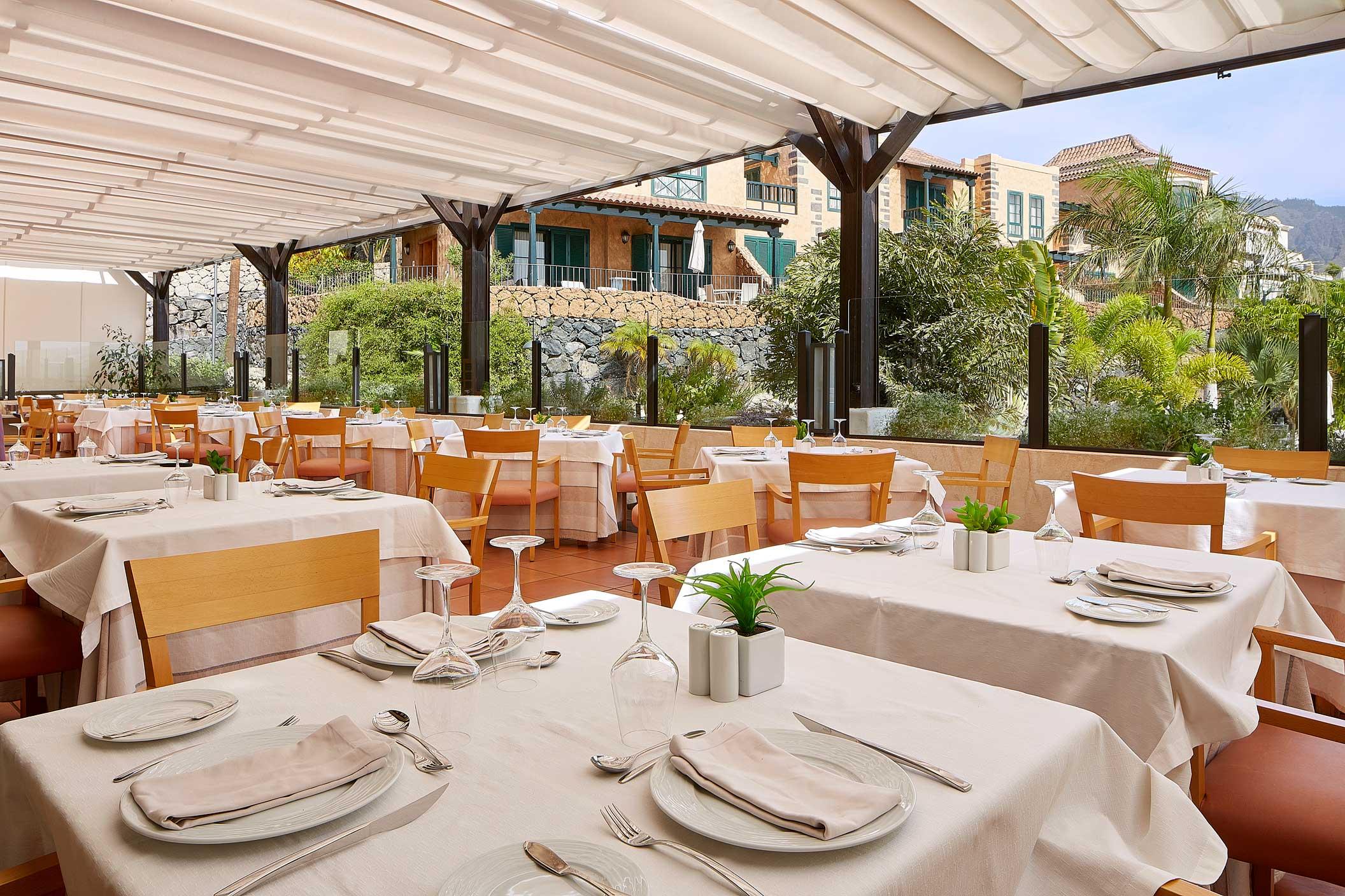Restaurante-La-Torre-en-Hotel-Suite-Villa-María
