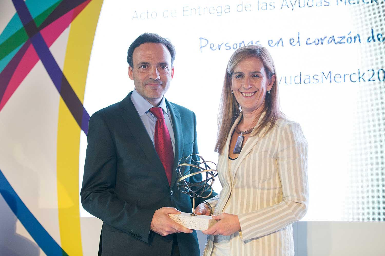 Dr. Rdez Tapia y Marieta Jiménez - premiado cáncer cabeza y cuello 2017
