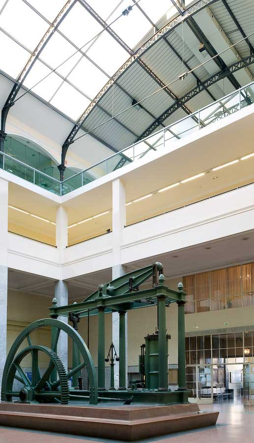 Hall-Escuela---la-Máquina-de-vapor