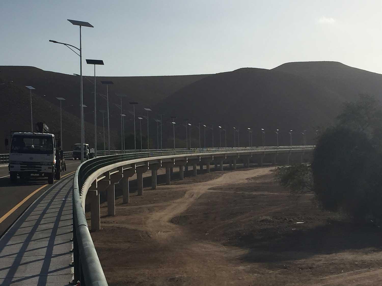 Iluminación-solar---Puente-Giraul,-Angola