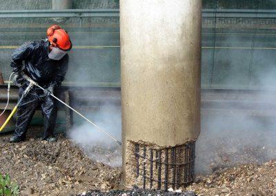 Foto-8.-Técnica-de-hidrosaneo-de-hormigón-deteriorado